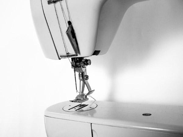 Costureira Polivalente deve saber operar várias máquinas